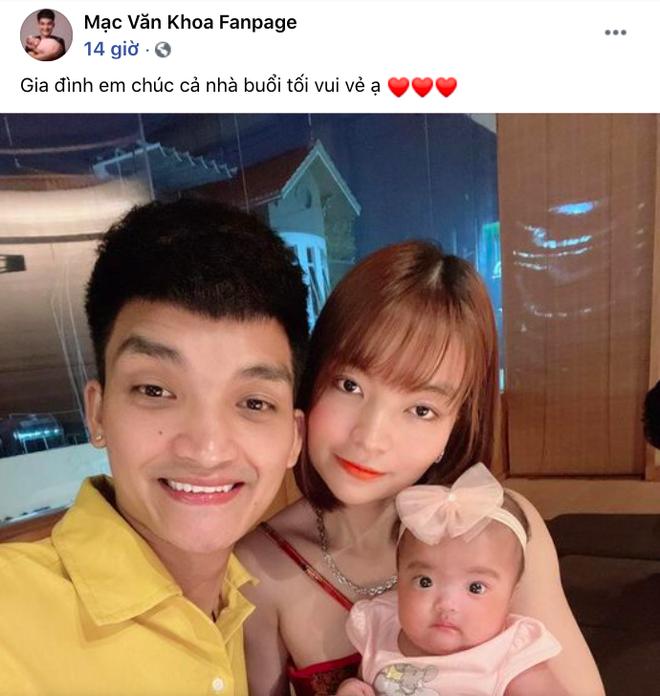 Mạc Văn Khoa khoe ảnh gia đình hạnh phúc, netizen xỉu up xỉu down với gương mặt tấu hài của cô con gái - ảnh 1