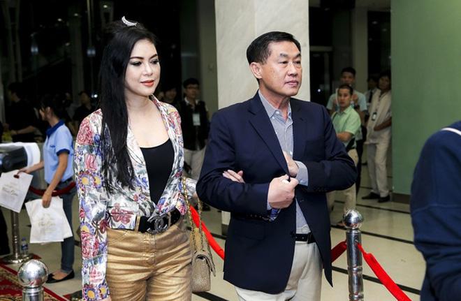 Tỷ phú Johnathan Hạnh Nguyễn từng yêu điên cuồng: Đi mọi chuyến bay mà vợ làm tiếp viên, vé có thể lấp đầy cả một căn phòng lớn - ảnh 8