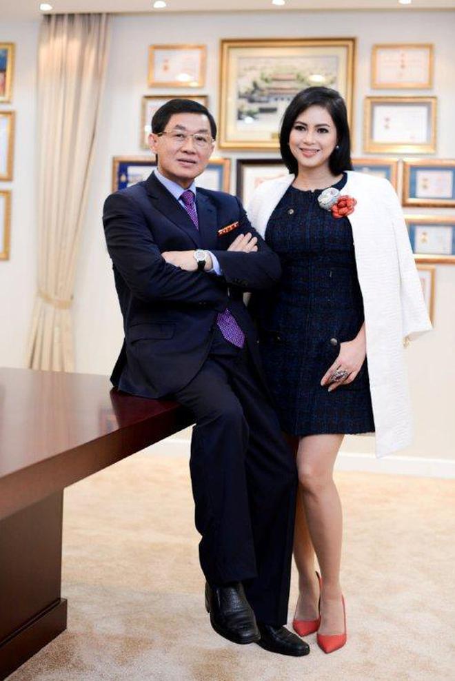 Tỷ phú Johnathan Hạnh Nguyễn từng yêu điên cuồng: Đi mọi chuyến bay mà vợ làm tiếp viên, vé có thể lấp đầy cả một căn phòng lớn - ảnh 7