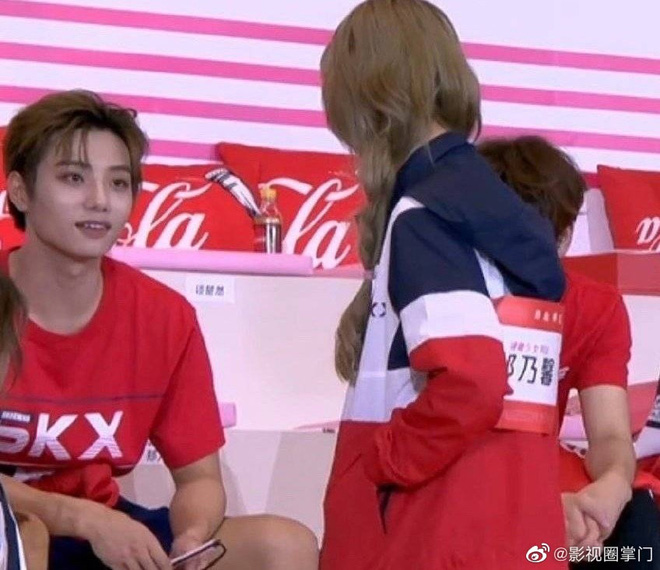 Paparazzi xứ Trung tóm sống cảnh hotgirl Thái cực hot tại Việt Nam hẹn hò với nam thần nổi tiếng Idol Producer - ảnh 11