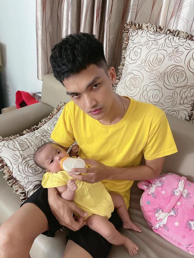 Mạc Văn Khoa khoe ảnh gia đình hạnh phúc, netizen xỉu up xỉu down với gương mặt tấu hài của cô con gái - ảnh 5
