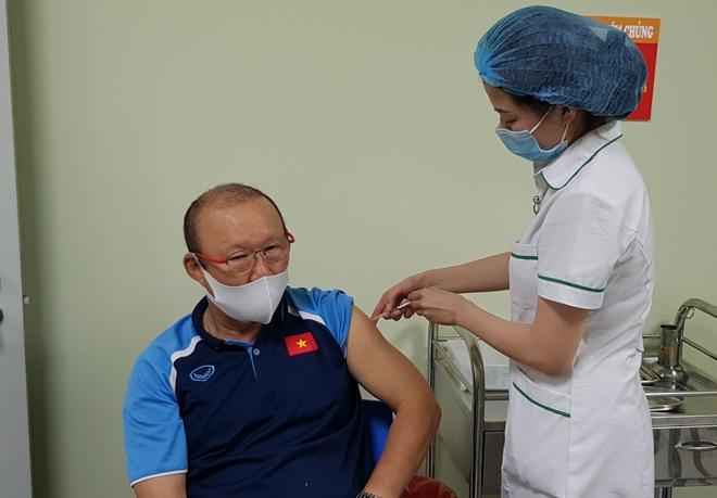 Đội tuyển Việt Nam lùi lịch tiêm vaccine Covid-19 - ảnh 2