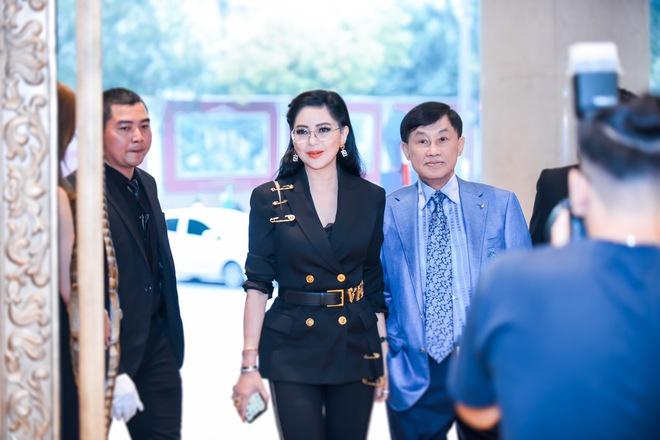 Tỷ phú Johnathan Hạnh Nguyễn từng yêu điên cuồng: Đi mọi chuyến bay mà vợ làm tiếp viên, vé có thể lấp đầy cả một căn phòng lớn - ảnh 9