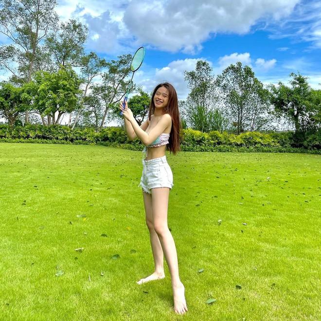 Linh Ka than thở chuyện đột nhiên mắt còn một mí, netizen bỏ ngoài tai vì mải ngắm vòng 2 siêu thực của gái xinh - ảnh 3