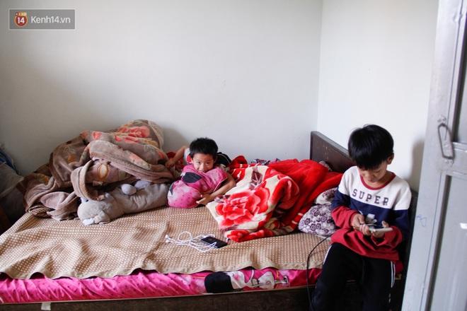 Vợ mất khi mang thai đứa con thứ 9, ông bố gà trống nuôi 8 đứa con thơ: Dù khó khăn, bố con mình vẫn nuôi nhau cho vui - ảnh 8