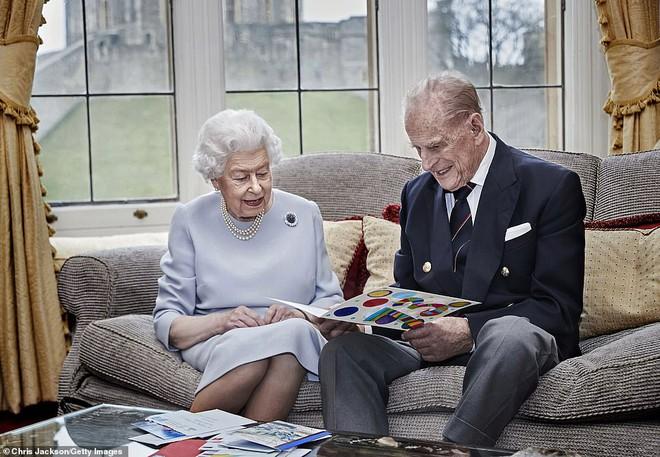 Những hình ảnh cuối cùng của chồng Nữ hoàng Anh - Hoàng tế Philip, trước khi qua đời ở tuổi 99 - Ảnh 4.