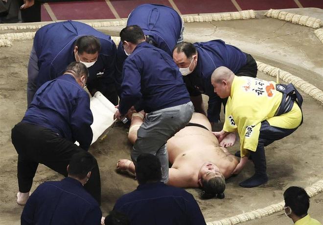 Võ sĩ Sumo qua đời thương tâm ở tuổi 28, một tháng sau cú húc đầu cực mạnh trên võ đài - ảnh 2