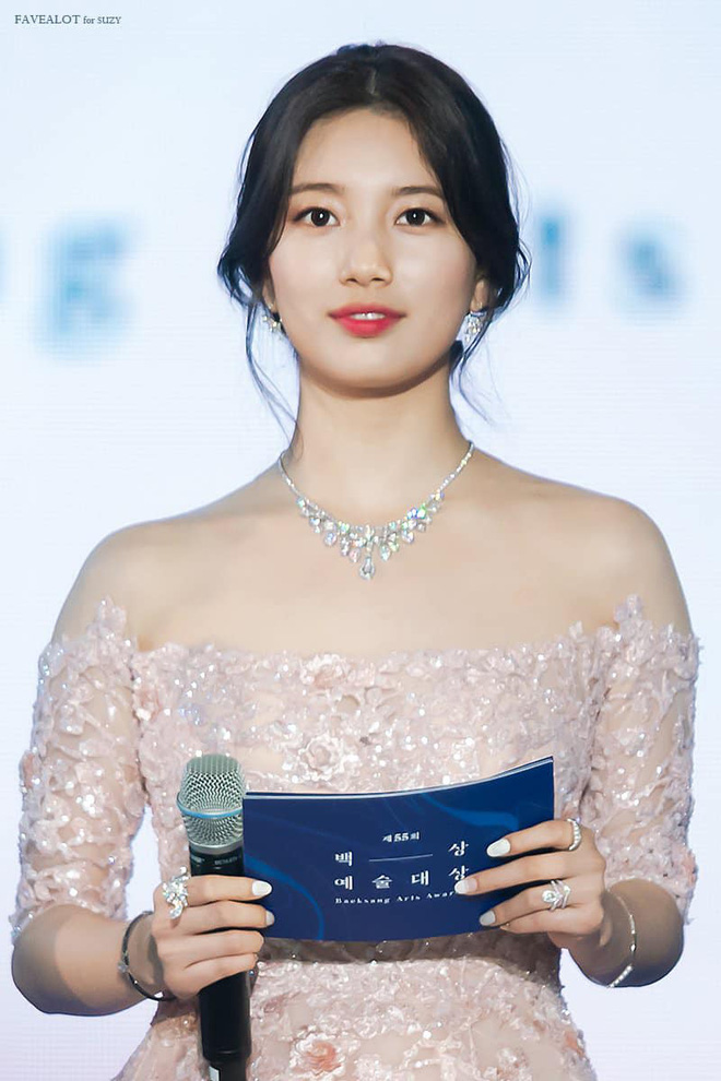 Nữ thần Baeksang gọi tên Suzy: 5 năm làm host rung chuyển xứ Hàn vì visual tuyệt mỹ, đỉnh nhất lần hở bạo và xén tóc ngắn cũn - ảnh 15