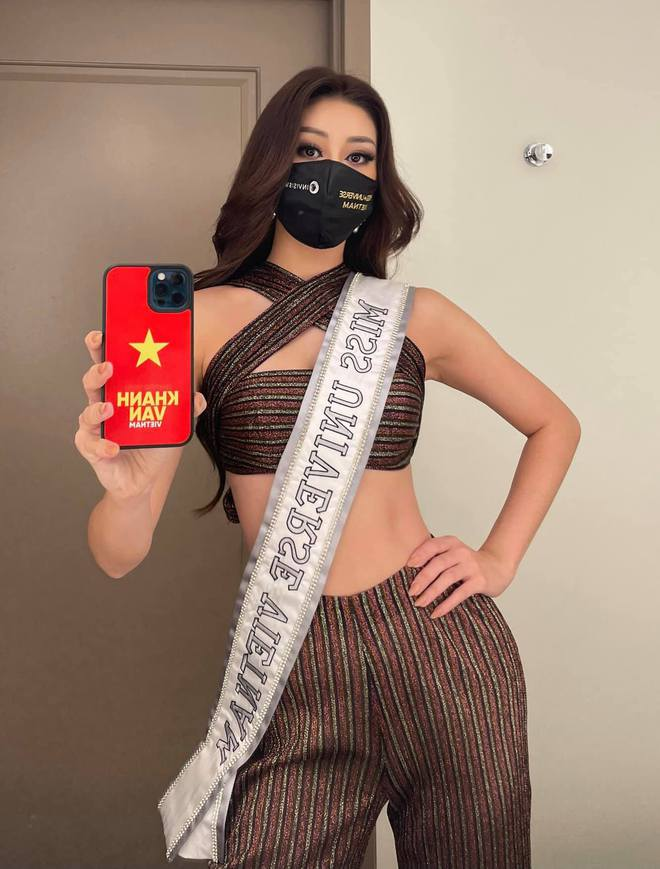 """Khánh Vân diện váy xẻ cao đọ chân dài miên man bên dàn đối thủ Miss Universe, xoay 1 cú khiến dân tình """"toát mồ hôi"""" - ảnh 10"""