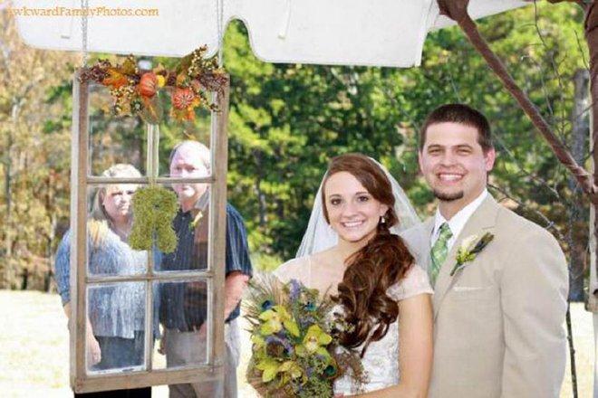 Tuyển tập những tấm ảnh cưới không đẹp tí nào nhưng chắc chắn cô dâu chú rể đều... vui tính - ảnh 1
