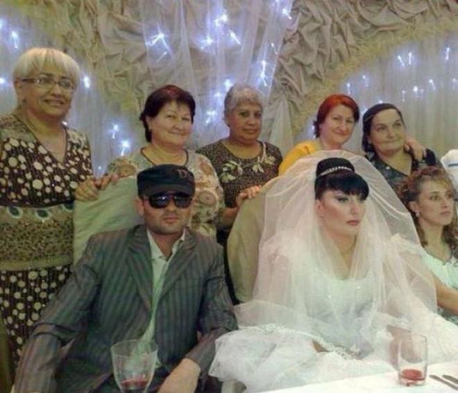 Tuyển tập những tấm ảnh cưới không đẹp tí nào nhưng chắc chắn cô dâu chú rể đều... vui tính - ảnh 11