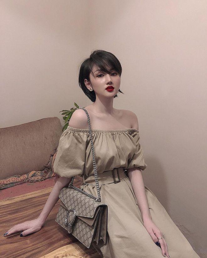 Cựu hot girl Sài Gòn khoe nhan sắc mẹ đẹp nức nở, di truyền hết cho con gái ở hiện tại - ảnh 1