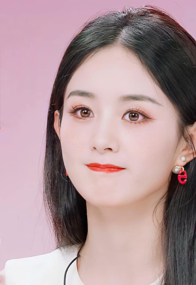 Triệu Lệ Dĩnh bị chê giả tạo vì makeup dày cộp khi livestream quảng cáo đồ dưỡng da - ảnh 5