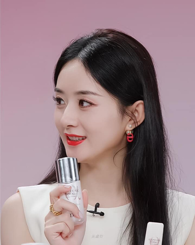 Triệu Lệ Dĩnh bị chê giả tạo vì makeup dày cộp khi livestream quảng cáo đồ dưỡng da - ảnh 6