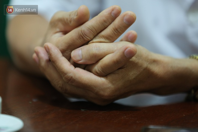 Gặp bác sĩ trong bức ảnh nhân viên y tế đi xe ba gác vào vùng dịch: Tôi chỉ biết bắt tay để truyền động lực cho anh em - ảnh 3