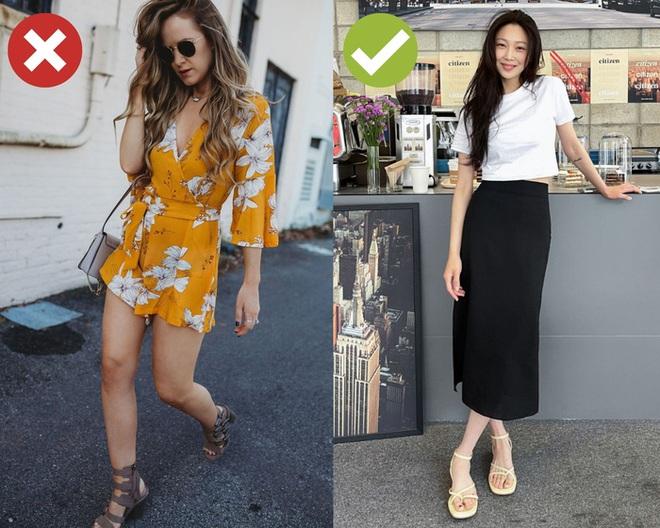 4 kiểu giày dép cứ mix với váy là hỏng cả set đồ, vóc dáng bị dìm cực thảm - ảnh 1