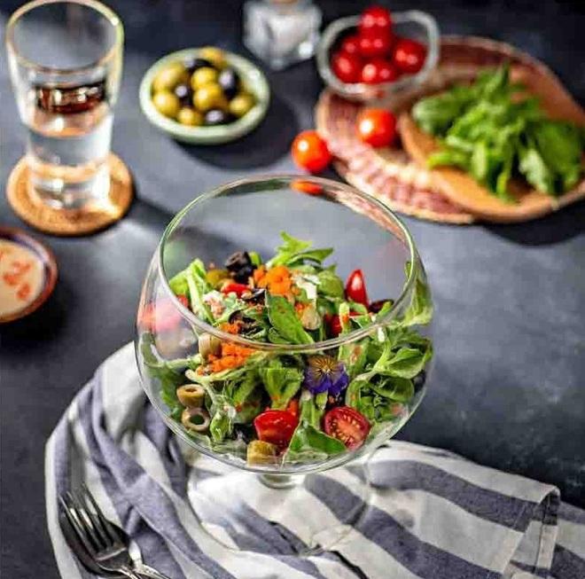 Loại rau đắt hơn thịt mà Ngọc Trinh ăn hàng ngày để giữ dáng và giúp đẹp da - ảnh 6