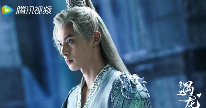 Thương Lan Quyết tung poster tranh vẽ tuyệt đẹp, fan vẫn ấm ức vì Vương Hạc Đệ không để tóc trắng - ảnh 3