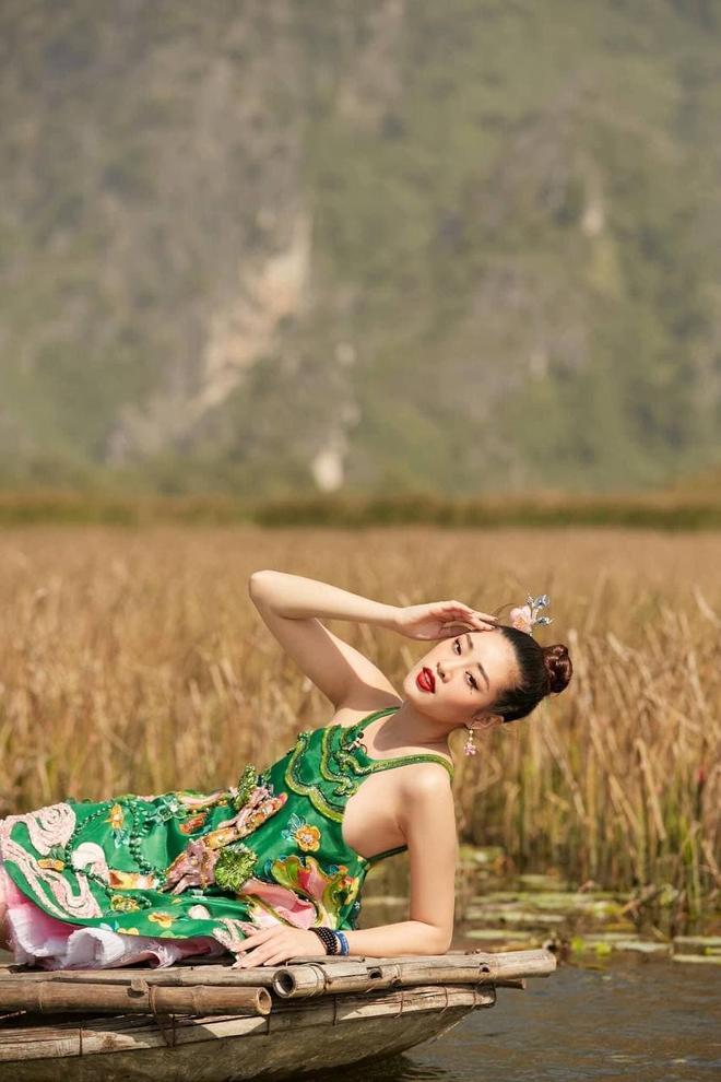 Thời tới cản không kịp, Khánh Vân được ưu ái xuất hiện đến 2 lần trong clip quảng bá của Miss Universe! - ảnh 4