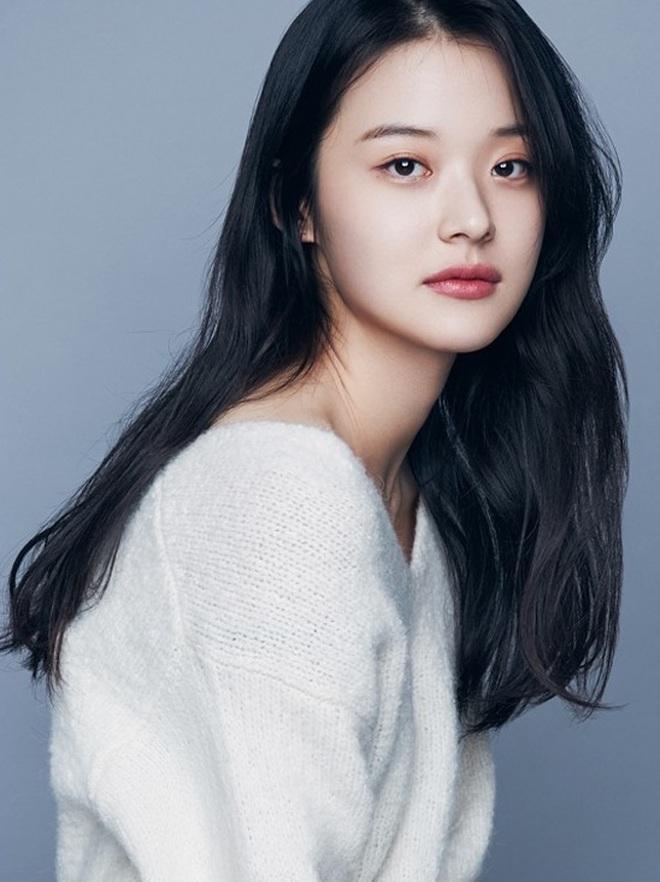 Sao Hàn lên chức CEO: Tài tử Bae Yong Joon thành ông hoàng đế chế, Ha Ji Won - Hyun Bin chưa sốc bằng nam idol Kang Daniel 23 tuổi - ảnh 9