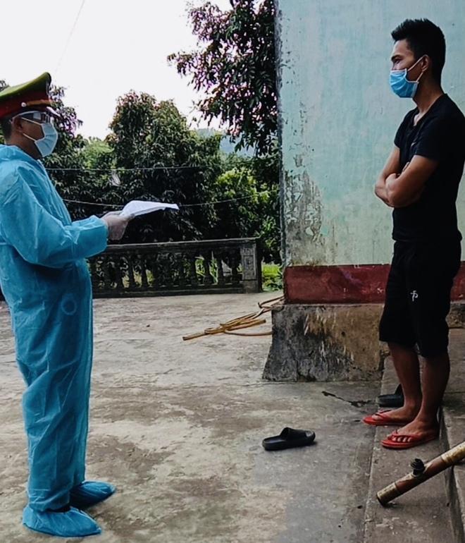 Hà Giang: Cưỡng chế nam thanh niên bỏ trốn về lại khu cách ly - ảnh 1