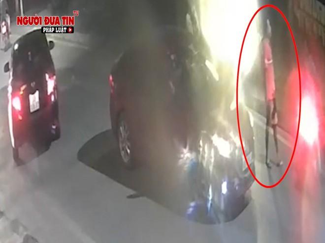 Hà Nội: Truy tìm đối tượng dùng vật nghi súng tấn công người đi đường rồi bỏ chạy - ảnh 3