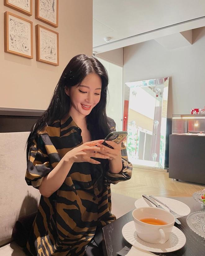 Ngỡ ngàng profile bạn trai mới của minh tinh Han Ye Seul: Hóa ra là diễn viên, nhưng sốc nhất là khoảng cách tuổi - ảnh 2