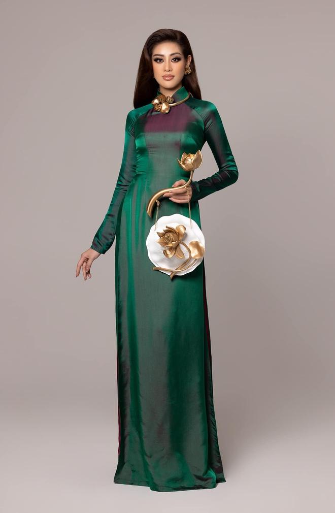 Khánh Vân gây sốt khi diện áo dài truyền thống ở Miss Universe, xinh nức nở đọ sắc với Hoa hậu xứ Trung trong 1 khung hình - Ảnh 3.