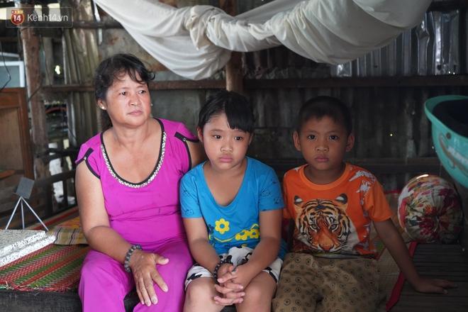 """3 đứa trẻ bệnh tật, đói ăn trong căn chòi rách nát: """"Mấy bạn nói nhà con nghèo, có anh trai bại não nên không được chơi chung"""" - Ảnh 4."""