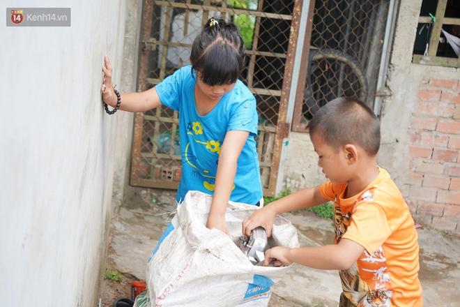 """3 đứa trẻ bệnh tật, đói ăn trong căn chòi rách nát: """"Mấy bạn nói nhà con nghèo, có anh trai bại não nên không được chơi chung"""" - Ảnh 11."""