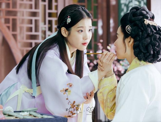Bộ tứ idol Hàn đẹp hút hồn khi hóa mỹ nữ cổ trang: IU hay Yoona mới là chân ái của đời bạn? - Ảnh 8.