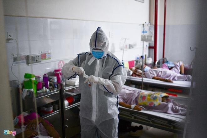 Dịch Covid-19 ngày 13/5: Hà Nội thêm 2 ca dương tính; TP.HCM xét nghiệm khẩn cấp tất cả các bệnh viện trong đêm - Ảnh 4.