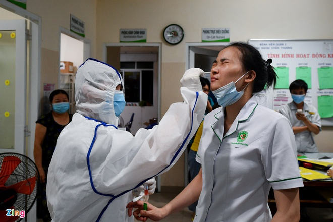 Dịch Covid-19 ngày 13/5: Hà Nội thêm 2 ca dương tính; TP.HCM xét nghiệm khẩn cấp tất cả các bệnh viện trong đêm - Ảnh 5.