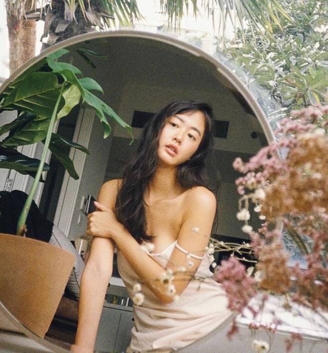 Nữ chính trốn tìm trong MV Đen Vâu là gái xinh người Pháp gốc Việt từng gây sốt MXH, vào ngắm ảnh Instagram mà mê luôn! - ảnh 11