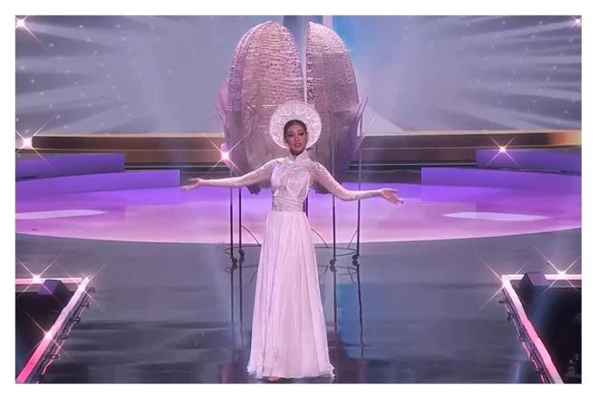 Trình diễn đỉnh cao, Khánh Vân lọt top 6 trang phục dân tộc yêu thích của Miss Universe 2018 Catriona Gray - ảnh 1