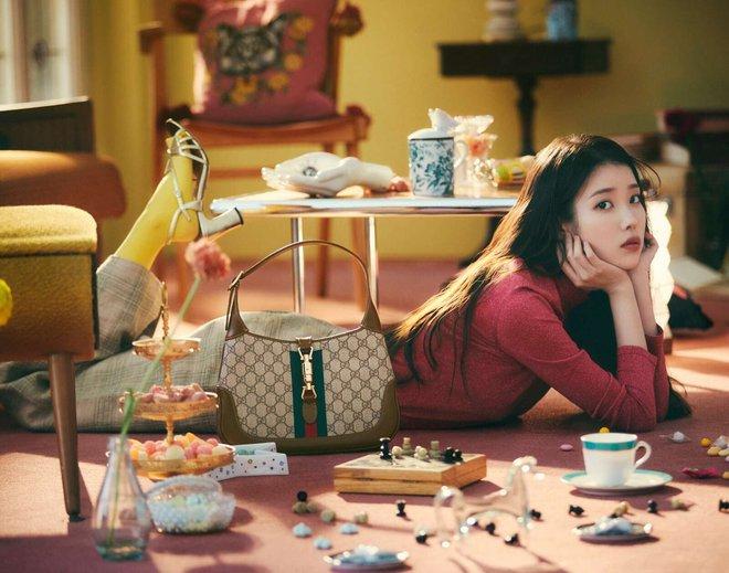 IU diện đồ Gucci và nhận loạt lời cay đắng từ netizen: Giống mấy bạn hot girl mạng cố học đòi diện hàng hiệu! - ảnh 5