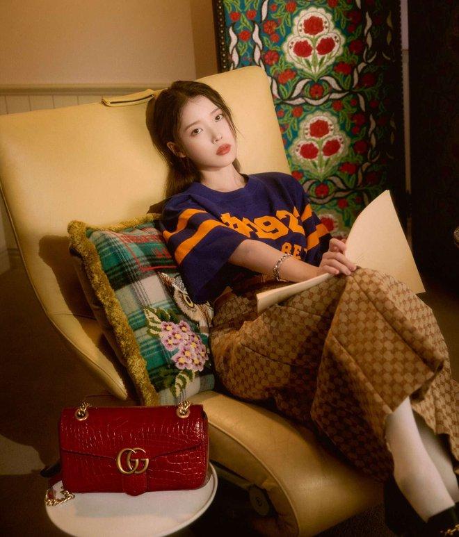 IU diện đồ Gucci và nhận loạt lời cay đắng từ netizen: Giống mấy bạn hot girl mạng cố học đòi diện hàng hiệu! - ảnh 4