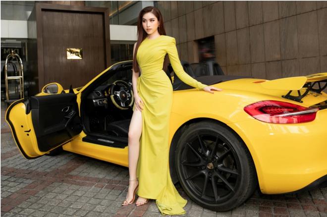 Soi siêu xe mui trần sang chảnh của nữ MC đài VTV, giá hơn 5 tỷ đồng và luôn nổi bần bật trên phố - ảnh 3
