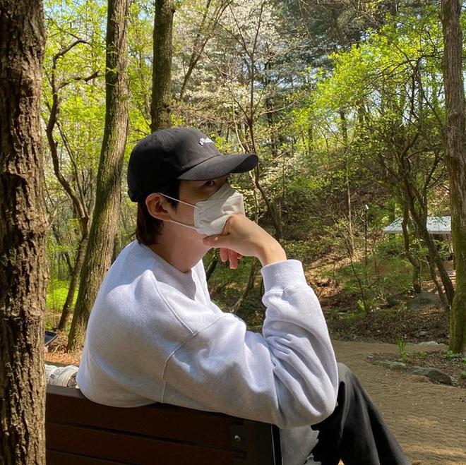 Lần đầu lộ diện sau tin cưới Shin Min Ah, Kim Woo Bin khiến dân tình gào thét với visual lột xác, khác hẳn khi bị ung thư - ảnh 6