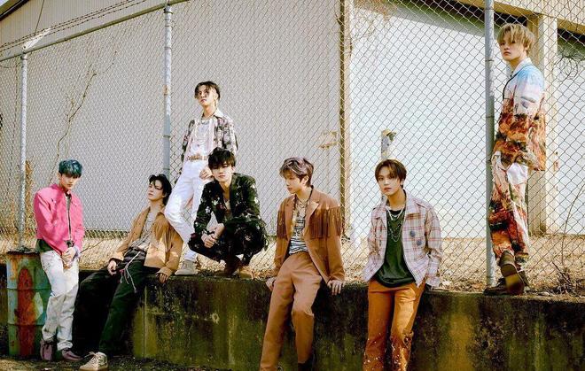 Boygroup nhi đồng phá kỷ lục bán đĩa tuần đầu của SM, ông hoàng triệu bản EXO phải chịu thua đàn em - ảnh 2
