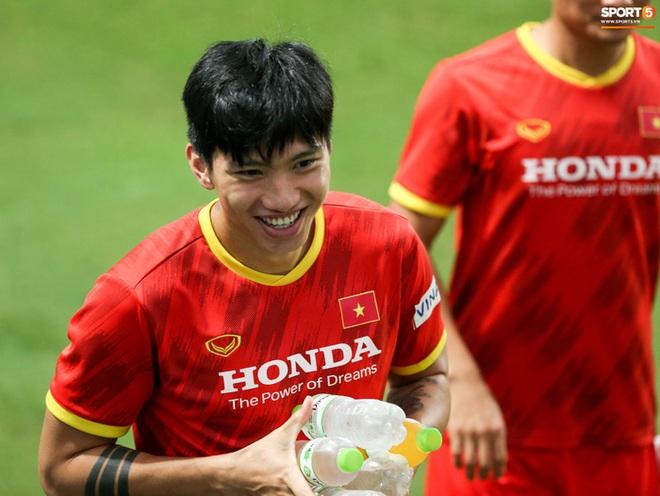 Tuyển Việt Nam loại 10 cầu thủ trước khi sang UAE - ảnh 1