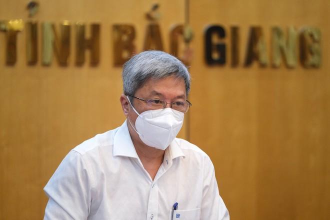 Bắc Giang có số ca Covid-19 cao nhất cả nước, Thứ trưởng Bộ Y tế nêu 4 vấn đề khẩn cần tập trung dập dịch - ảnh 2