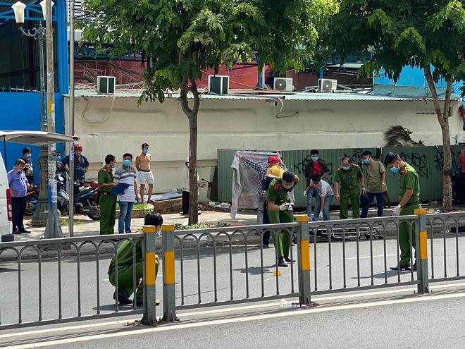 TP.HCM: Người đàn ông mặc áo GrabBike bị đâm chết trước cổng bệnh viện Nhi Đồng 1 - ảnh 2