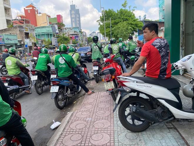 TP.HCM: Người đàn ông mặc áo GrabBike bị đâm chết trước cổng bệnh viện Nhi Đồng 1 - ảnh 3