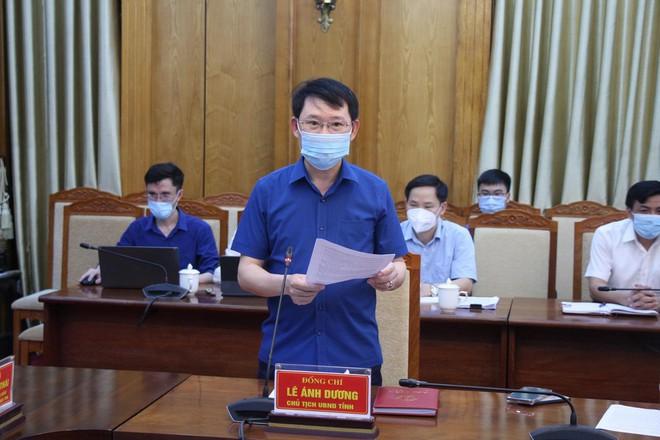 Hàng trăm công nhân mắc COVID-19, Bộ Y tế họp khẩn trong đêm với tỉnh Bắc Giang - ảnh 1