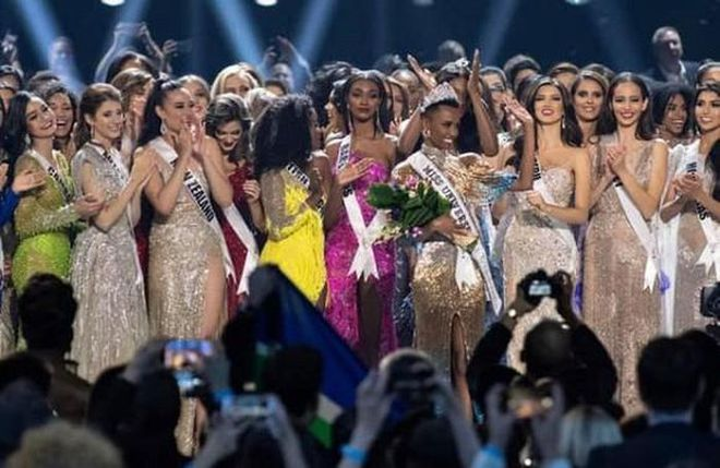 Miss Universe đang là tâm điểm chú ý của cả thế giới, video đêm thi Bán kết lọt top Trending YouTube, hút 4,2 triệu lượt xem - ảnh 1
