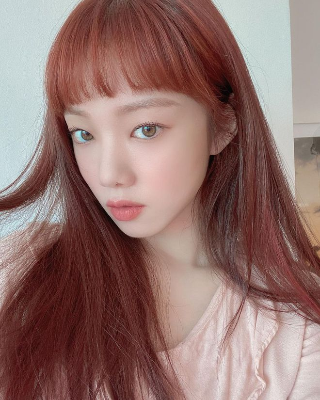 Ngắm Lee Sung Kyung cân trọn mọi kiểu tóc và màu nhuộm, chị em cũng tia được cho mình vài kiểu đi chơi hè đấy - ảnh 13