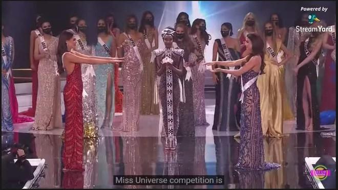 Ngừa dịch giả trân như Miss Universe 2020: Nắm tay thì không nhưng ôm hôn tập thể thì vô tư? - ảnh 1
