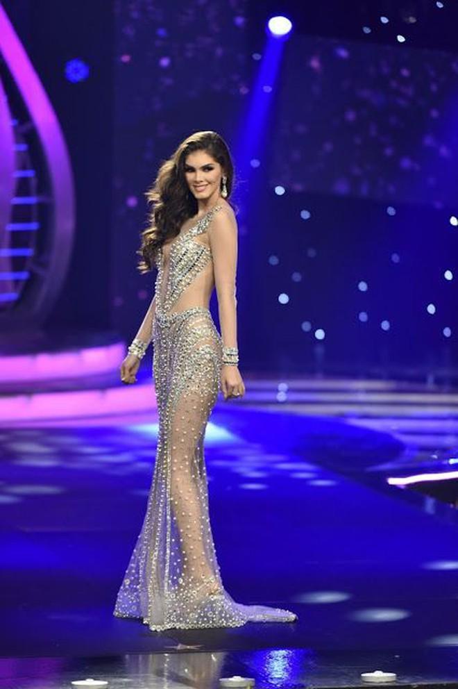 Hãy để tân Hoa hậu Hoàn vũ năm nay định nghĩa cho bạn biết thế nào là mặc xấu! - ảnh 10