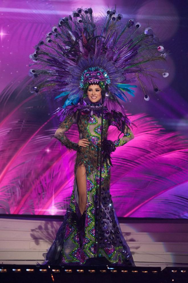 Hãy để tân Hoa hậu Hoàn vũ năm nay định nghĩa cho bạn biết thế nào là mặc xấu! - ảnh 3